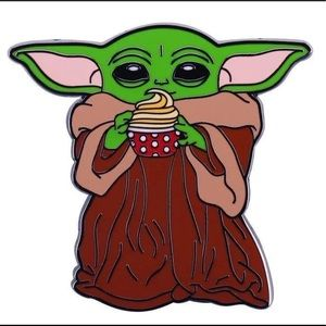 New Star WARS Baby Yoda coffee pin CUTE